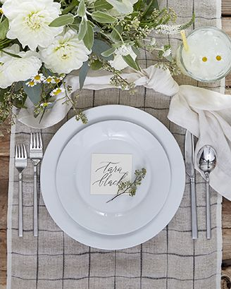 Casual table setting featuring Aspen Dinnerware with Kenton Flatware and Milo Linen Table Runner
