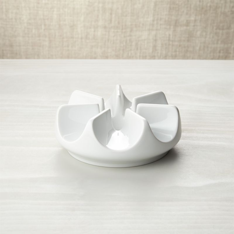 Perfect proportions, beautiful central shape, exquisite white porcelain.<br /><br /><NEWTAG/><ul><li>Pure porcelain</li><li>Warmer uses one tealight to keep beverages warm for hours, sold separately</li><li>Dishwasher- and microwave-safe</li><li>Made in Germany</li></ul><br /><br />