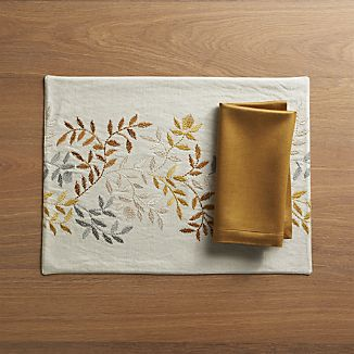 Aveline Placemat and Sateen Gold Napkin