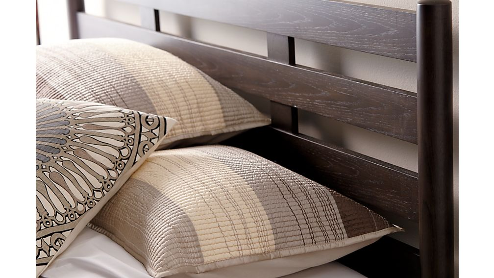 Barnes Queen Bed