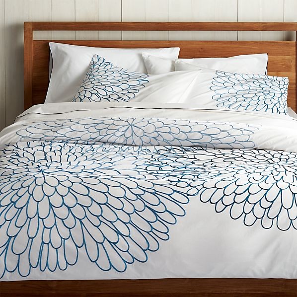 Bloom full queen duvet cover in all bedding crate and barrel for Crate barrel comforter