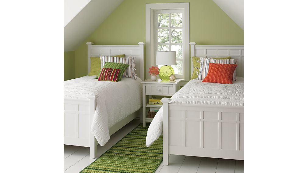 Brighton White Twin Bed
