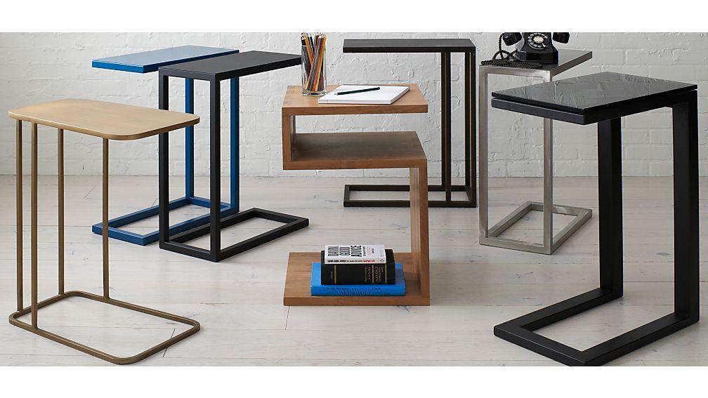 Avenue Slide Table