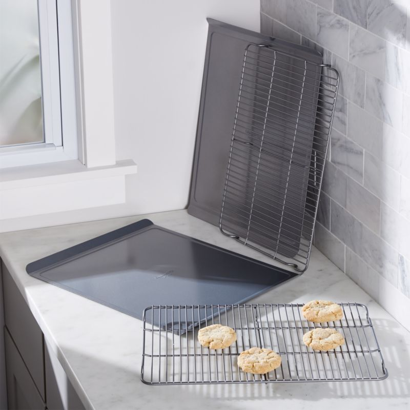 Calphalon ® 4-Piece Cookie Sheet and Cooling Rack Set