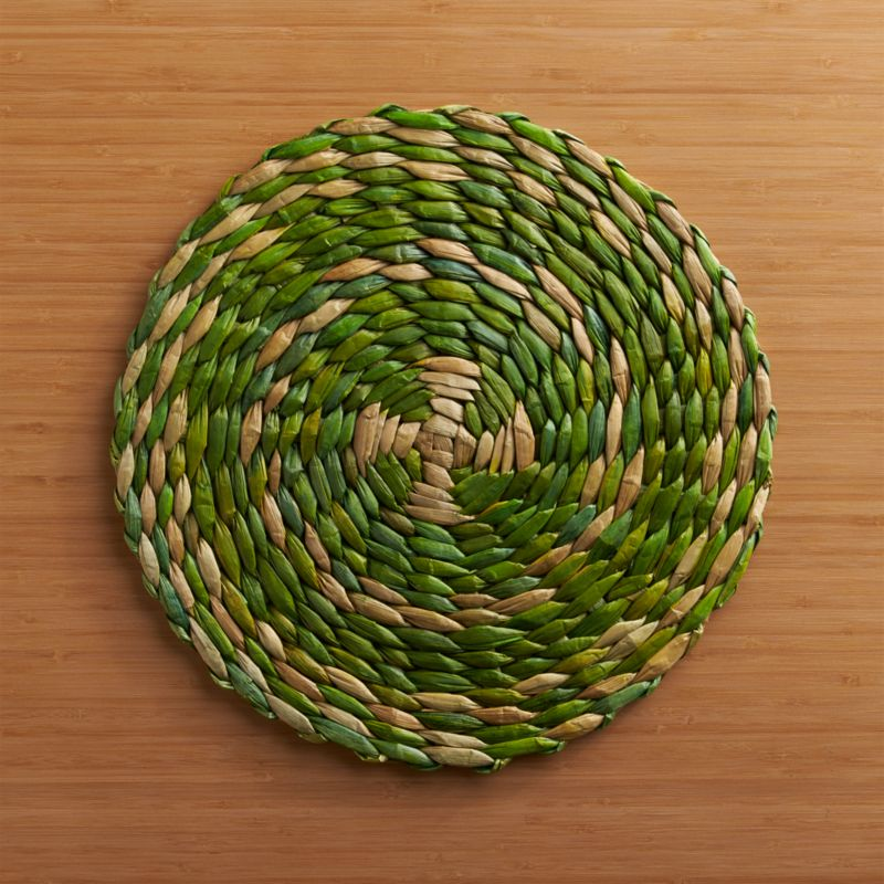 Green and natural lampakanay fibers spin a chunky handwoven round placemat that adds a fresh, natural note to the table.<br /><br /><NEWTAG/><ul><li>Handcrafted</li><li>100% lampakanay fiber</li><li>Clean with a damp cloth</li><li>Made in The Philippines</li></ul>