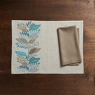 Clara Linen Placemat and Fete Brindle Napkin