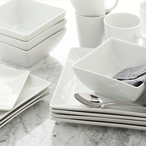 Court Dinnerware