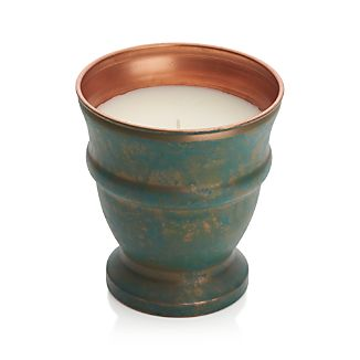 Inspired by the sights, sounds and smells of gardening, this lovely lavender-scented candle is housed in a beautiful, reusable copper patina pot.