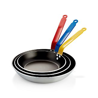 de Buyer ® Nonstick Fry Pans with Colored Handles