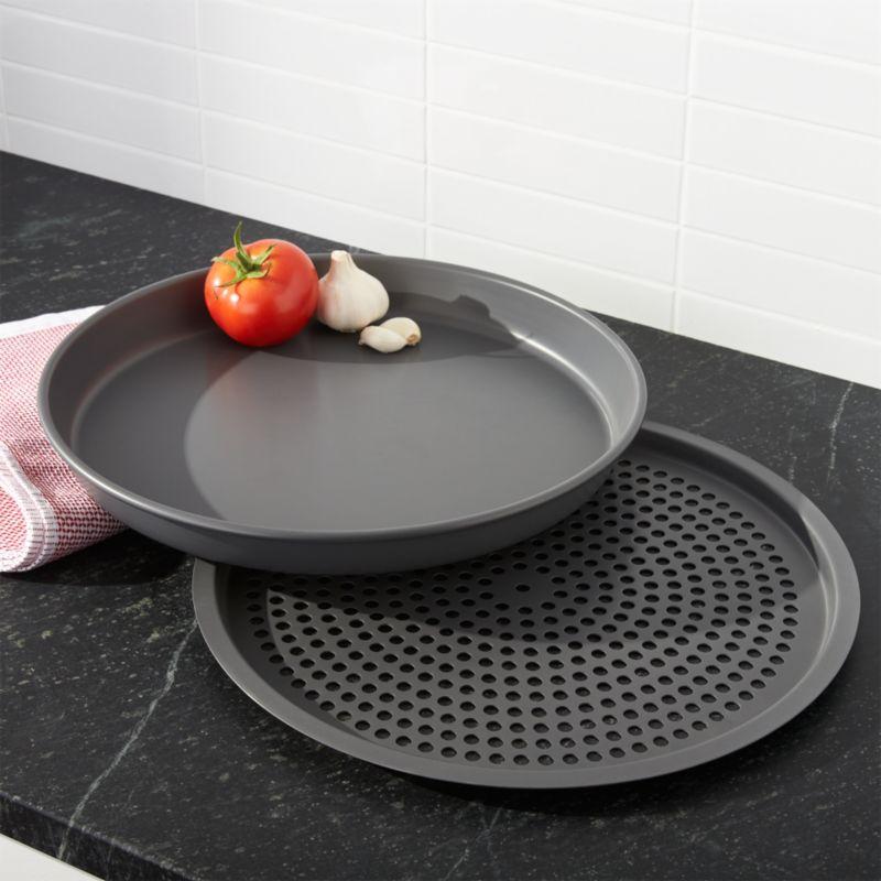 Deep Dish Pizza Pan and Crisper Set