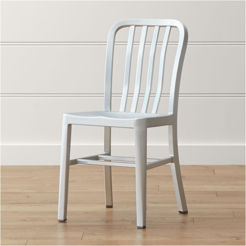 Delta features straightforward styling in pure aluminum, anodized for a sleek, durable finish. Classic and contemporary with an industrial nod, the chair has a casual look that mixes well with metal, wood or glass furnishings. <NEWTAG/><ul><li>Hand-polished anodized aluminum</li><li>Cross bar</li><li>Foot caps to protect floor surfaces</li><li>Made in China</li></ul>