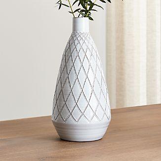 Esta Vase