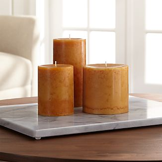 Light up fall nights with our beautiful brown scented pillar candle and enjoy a warm, smoky scent that's just right for the season.Paraffin and scented oilMade in Vietnam