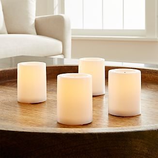 "The breakthrough of realistic wax flameless candles gets a new twist with timing technology that allows you to program ""lights out."" Three-way settings include basic on and off switches as well as a five-hour timer. Candles will cycle at the same time daily unless switched to manual setting."
