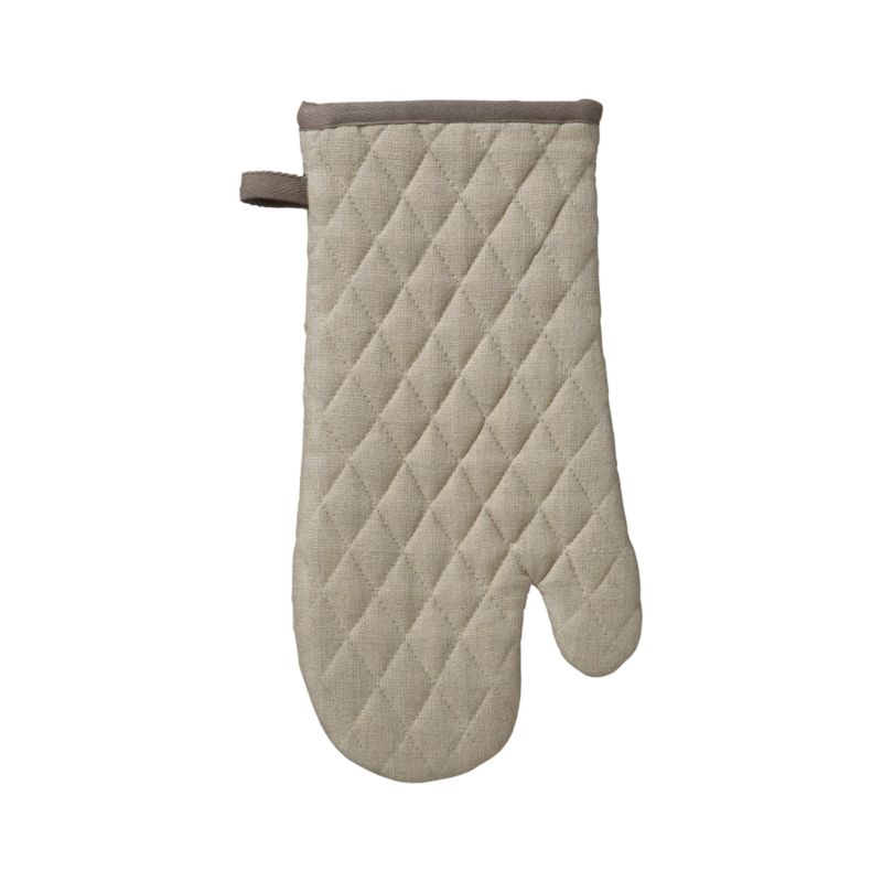 Sophisticated neutral kitchen mitt is crafted in natural linen with taupe contrast trim and hanging loop, cotton lining and distinctive diagonal quilting.<br /><br /><NEWTAG/><ul><li>100% linen body</li><li>100% cotton filling</li><li>Machine wash</li></ul>