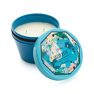 Poured in an oversized tin powdercoated blue, this outdoor candle is scented with a clean, simple fragrance reminiscent of rain with a hint of citronella.  Two wicks promote even burning and fragrance distribution.