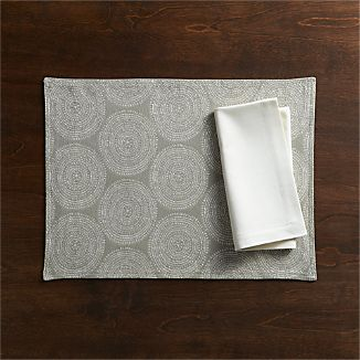 Genevieve Placemat and Sateen Ecru Napkin