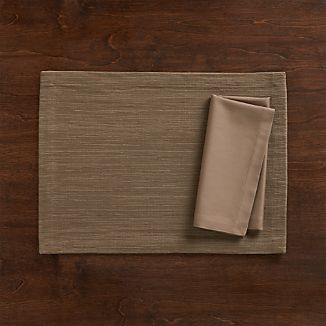 Grasscloth Brindle Placemat and Fete Brindle Cloth Napkin