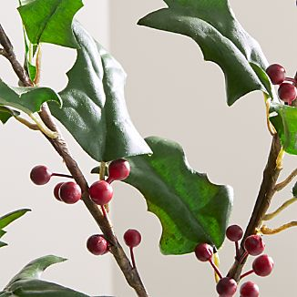 This handmade stem adds the cheerful look holly's bright red berries and glossy green leaves to a vase or holiday centerpiece. A bendable stem makes it easy to manipulate for just the right look.