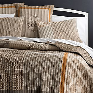 Jaipur Orange Quilt and Pillow Shams