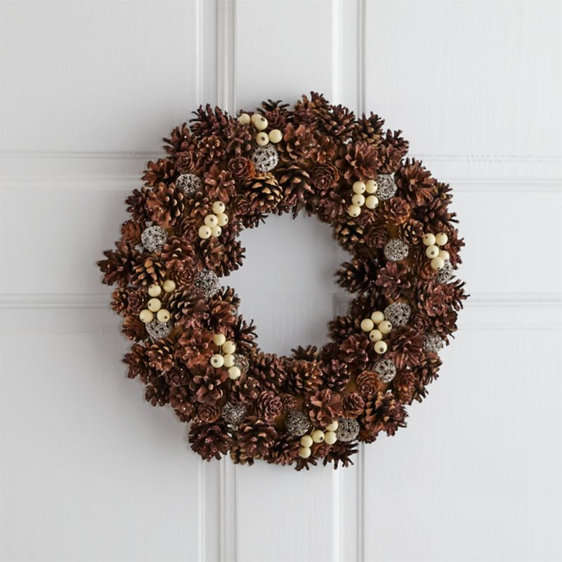 Jingleberry Small Pinecone Wreath