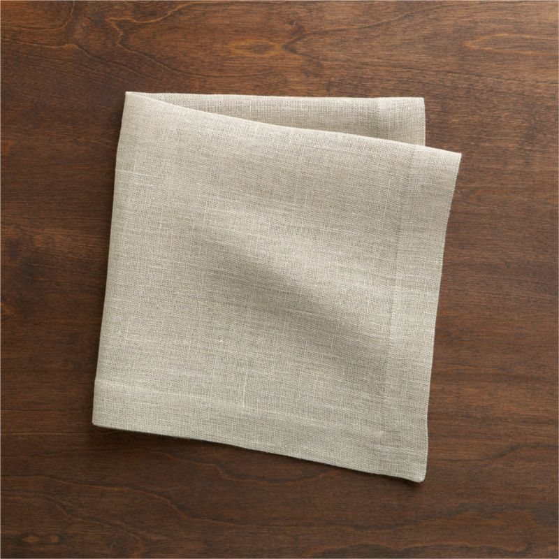 Heavier-weight linen napkin adds textural heft and versatile solid color to the casual table.<br /><br /><NEWTAG/><ul><li>100% linen</li><li>Machine wash, dry flat; warm iron as needed</li><li>Made in India</li></ul>