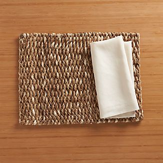 Kendari Placemat and Helena Vanilla Linen Napkin