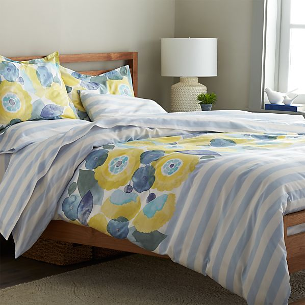 Marimekko kesahelle twin duvet cover in outlet accessories for Crate barrel comforter