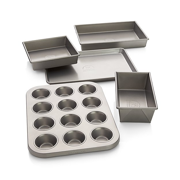 Kitchenaid 174 5 Piece Bakeware Set Crate And Barrel
