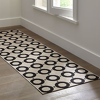 Koen Circles Indoor-Outdoor 2.5'x8' Rug Runner