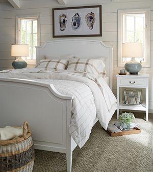 Larsson Queen Bed
