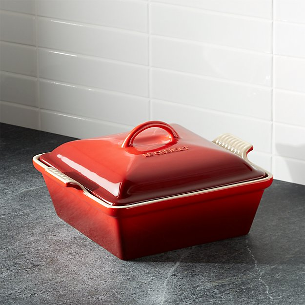 Le Creuset ® Heritage Covered Square Cerise Red Baking Dish