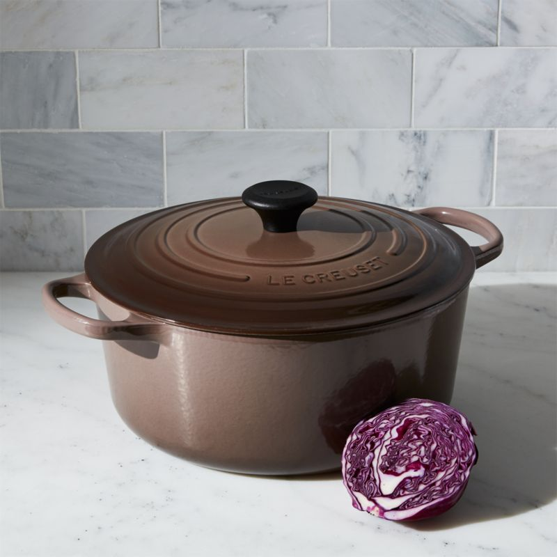 Le Creuset ® Signature 7.25-Qt. Round Truffle French Oven with Lid