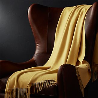 Lima Alpaca Maize Yellow Throw