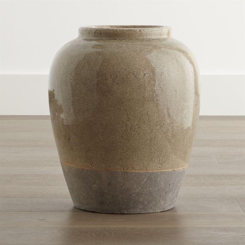 Luana Medium Urn Vase