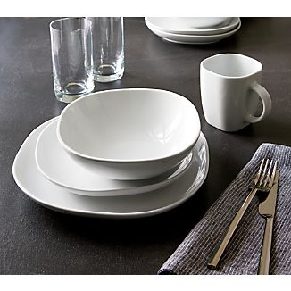 Maddie Dinnerware