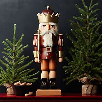 Natural King Nutcracker