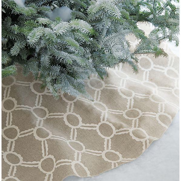Noelle Ivory Tree Skirt