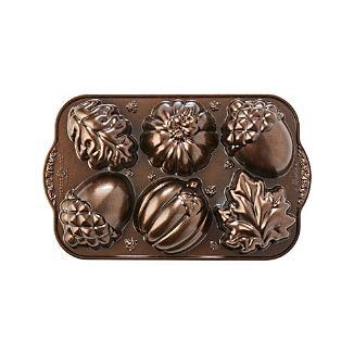 Nordic Ware ® Autumn Cakelet Pan