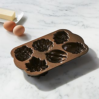 Nordic Ware ® Autumn Cakelet Pan