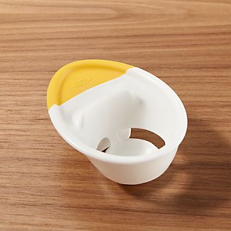 OXO ® Egg White Separator