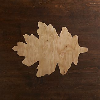 Oak Leaf Wood Placemat and Fete Moss Napkin
