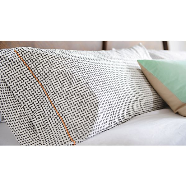 PebblepillowcoverBLG16