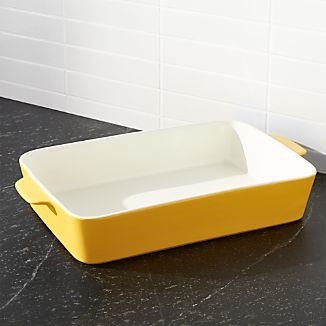 Potluck Yellow Lasagna Baking Dish
