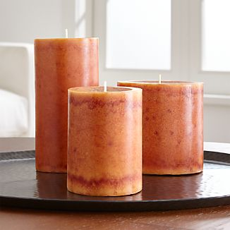 Beautifully mottled in a gorgeous shade of orange, this scented candle fills the home with the warming aroma of spices and fresh-cut pumpkin.We've got some great ideas on how to decorate with fall color.Paraffin and scented oilMade in Vietnam
