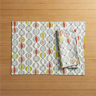 Reese Placemat and Napkin