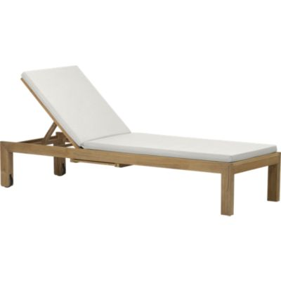 Regatta Chaise Lounge with Sunbrella® White Sand Cushion
