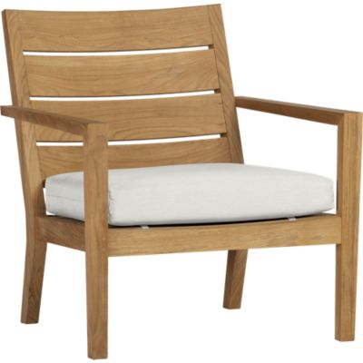 Regatta Lounge Chair with Sunbrella® White Sand Cushion