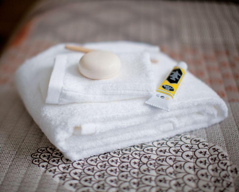 Ribbed White Bath Towels