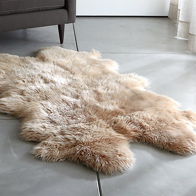Sheepskin Almond Throw/Rugs